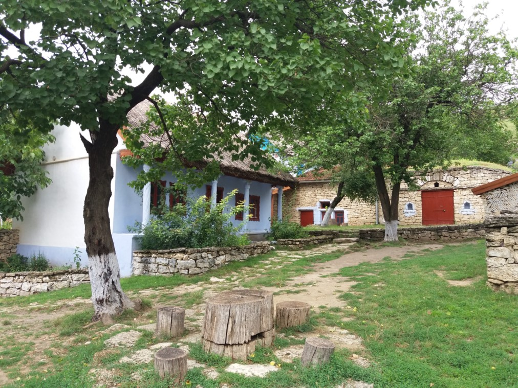 Blue House in Butuceni